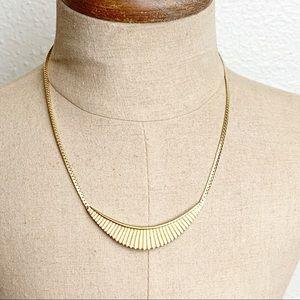 Vintage Avon Gold Tone Necklace